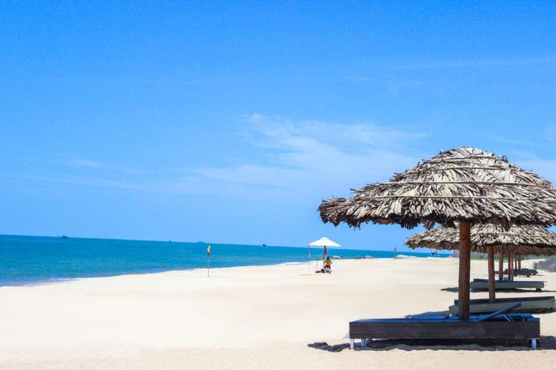 Khu du lịch ở Long Hải - bãi biển