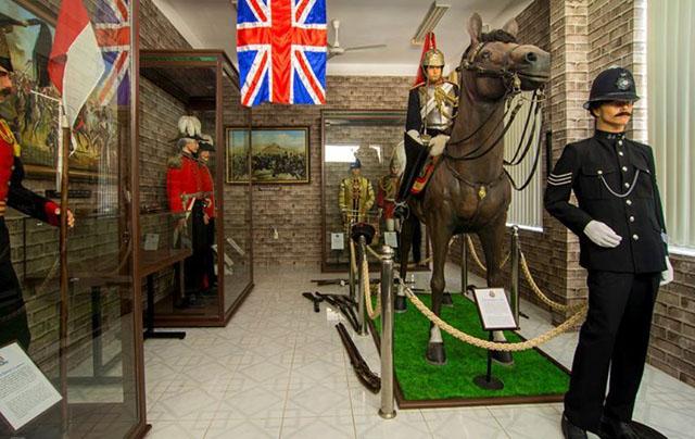 Bảo tàng vũ khí cổ Robert Taylor - Ảnh 2