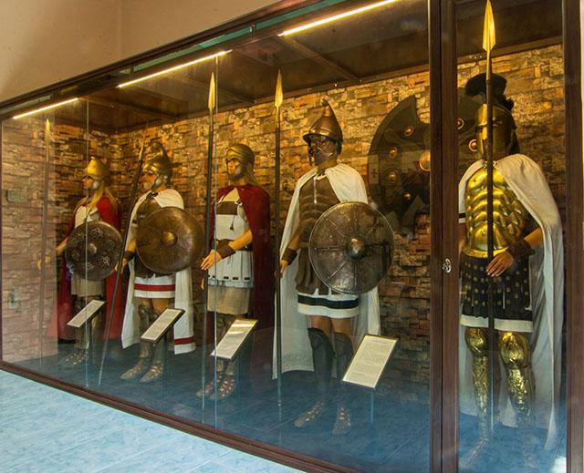 Bảo tàng vũ khí cổ Robert Taylor - Ảnh 3