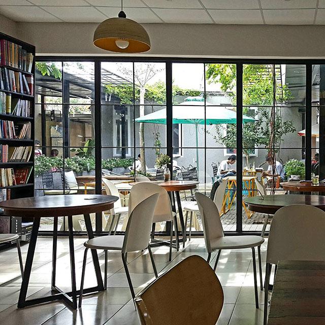 Quán cafe đẹp bãi sau Vũng Tàu - Ngọc Tước Book Cafe - Ảnh 3